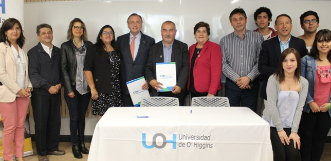UOH firma acuerdo con asociación de municipalidades de la región para prácticas profesionales de estudiantes