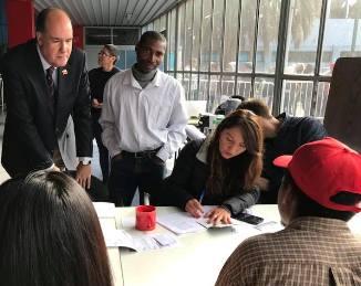 Proceso de Regularización de Inmigrantes  Marcha con  Normalidad en Rancagua