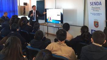 SENDA Peralillo y PDI abordan temática de ciberbullying con estudiantes de Colegio Violeta Parra