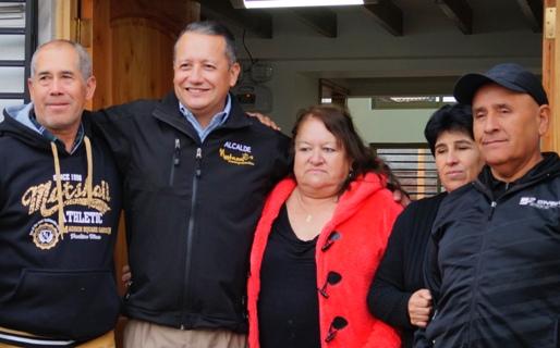 Alcalde Sergio Medel visita avances de nueva sede social