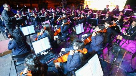 Orquesta Sinfónica del Liceo Bicentenario Oscar Castro Zúñiga aclara uso de recursos SEP y proyección de trabajo