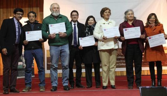 Más de 540 campesinos de Las Cabras y Requínoa  recibieron bonos para mejorar sus producciones