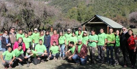 Jóvenes de tres regiones del país dan vida a Reserva Nacional Río Los Cipreses bajo el Programa Vive Tus Parques