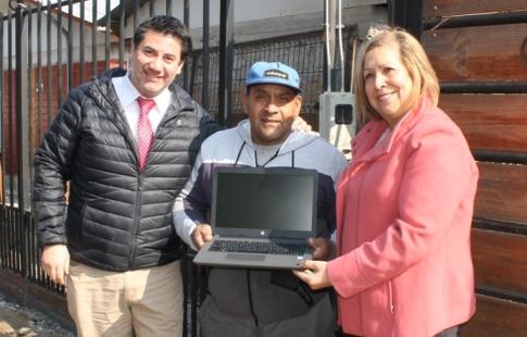 Autoridades entregan Ayudas Técnicas a personas con discapacidad de Graneros y Codegua