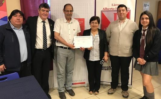 Firman convenio de equipamiento con Liceo Alberto Hurtado de San Francisco de Mostazal