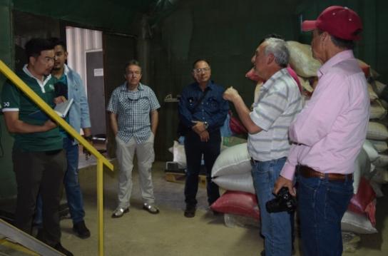 Investigadores de Tailandia en gira tecnológica  sobre cultivo de quínoa