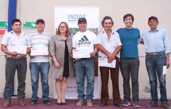 Pequeños productores de cebollas reciben ayuda para su reactivación económica