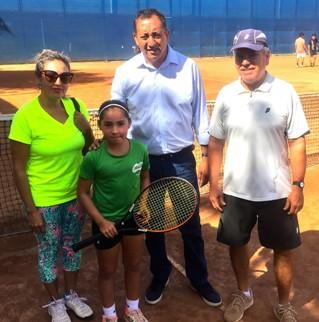Pequeña tenista rancagüina está  llamada a ser la mejor de Chile