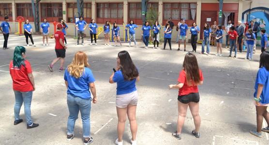 """""""English Summer Camp"""" se toma Colegio España de Rancagua"""