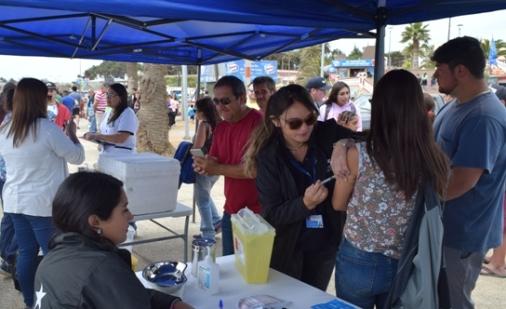 Operativo de Verano: 250 jóvenes se vacunaron en Pichilemu contra el Sarampión