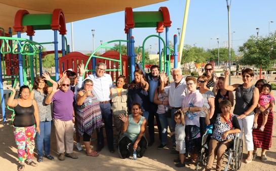 Director de SERVIU O'Higgins, vecinos y niños de la Villa Cordillera se comprometen a cuidar los parques