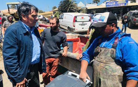 "Gobernación de Cardenal Caro organiza Limpieza de Playa ""Las Terrazas"" de Pichilemu"
