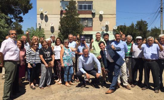 SEREMI Francisco Ravanal y alcalde Eduardo Soto realizan recorrido por trabajos de mejoramiento en Villa Ramón Torres
