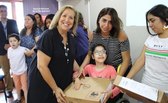 Entregan ayudas técnicas a personas con discapacidad de comunas de Cachapoal