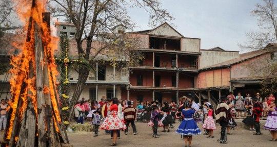 Carruajes, tradiciones y patrimonio arquitectónico en Graneros