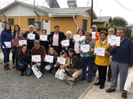 Residentes de condominios de viviendas tuteladas de Santa Cruz fueron beneficiados con Kits Eficientes