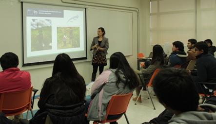 Académica de la UOH expone resultados de proyecto para recuperar suelo afectado por incendios forestales