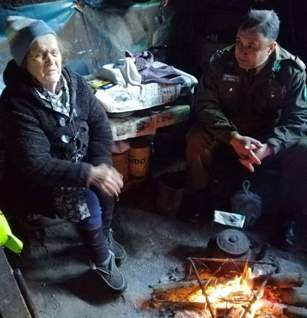 Emotiva visita realizó Carabineros a los últimos habitantes del sector Los Alpes
