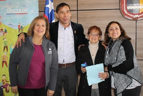 Realizan Despedida y Bienvenida del Programa Vínculos a adultos mayores de Placilla