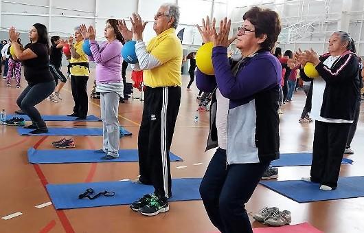 Masivo deportivo en Rancagua para celebrar el Día del Yoga