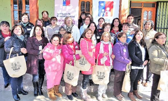 Mujeres de zonas rurales se informan de sus derechos previsionales