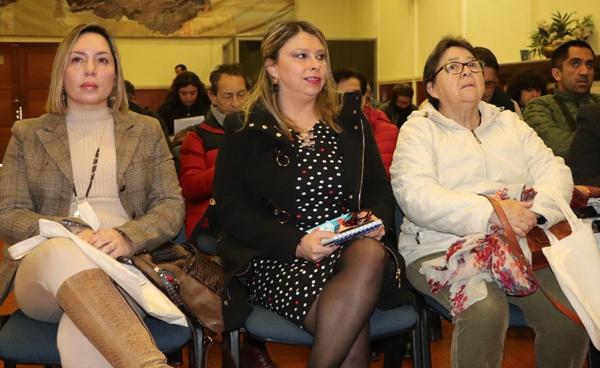 Dirigentes y Funcionarios Municipales se capacitaron en diversos aspectos de la Ley 21.146