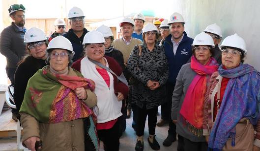Intendente Masferrer inspeccionó obras de construcción de nuevo CESFAM de Navidad