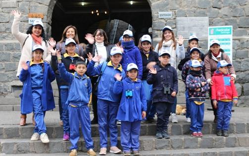 Escuela Valdebenito visita el Parque Metropolitano y el Teatro Municipal de Santiago