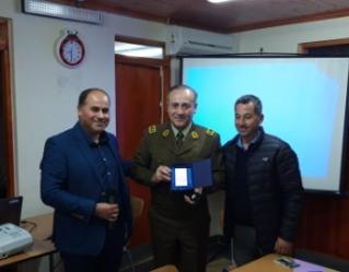 General de Carabineros fue reconocido por las juntas de vecinos