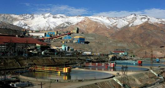 Desafíos de la minería chilena, relación con la comunidad y manejo de relaves