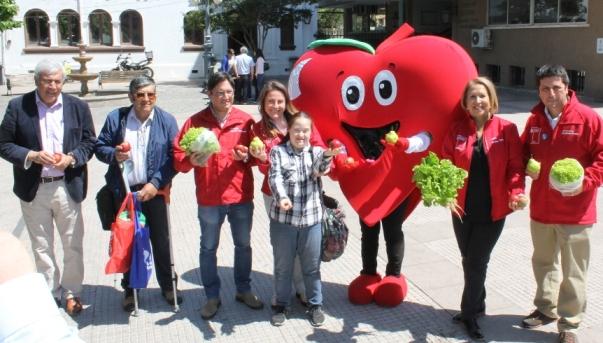 Autoridades regionales celebran Día Nacional de las Frutas y Verduras