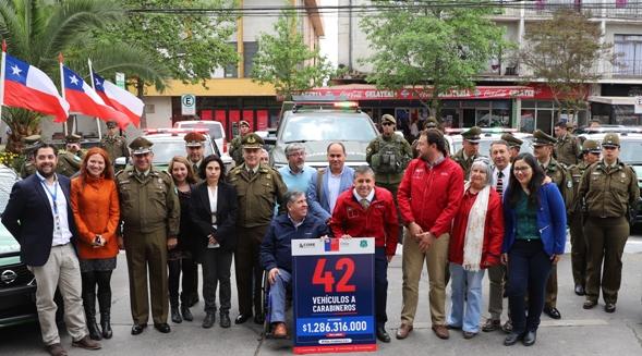 Gobierno entregó primeros 14 vehículos  a Carabineros y en total renovará 71 autos para ambas policías