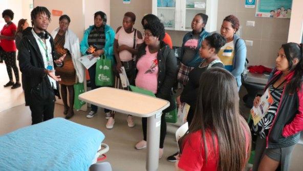 Mujeres migrantes embarazadas conocen dependencias del Hospital Regional LBO