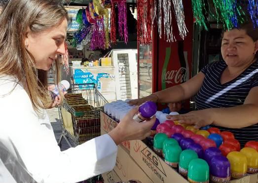 SEREMI de Salud entrega recomendaciones por el uso de spray de cotillón