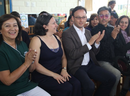 """Jardín Infantil """"Campanita"""" y Escuela de Lenguaje """"Tía Mónica"""" reciben reconocimiento"""