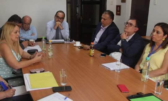 DSSO supervisa normalización de deudas a funcionarios de salud municipal de San Fernando