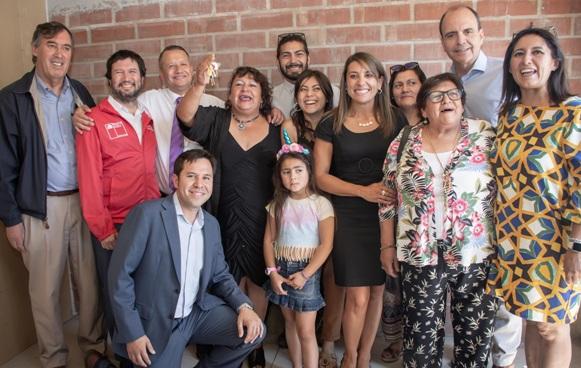 MINVU cumple compromiso con las familias del Comité Brisas de los Marcos II de Mostazal