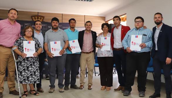 Intendente Masferrer y Subsecretario de Bienes Nacionales entregaron su título de dominio a familias de Placilla