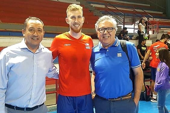 """""""Selección chilena de vóleibol triunfa y se carga de buenas energías en Rancagua"""""""