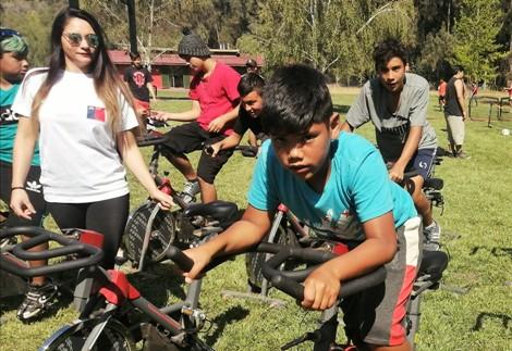 El deporte y la actividad física  se apoderaron del campamento de verano en Picarquín