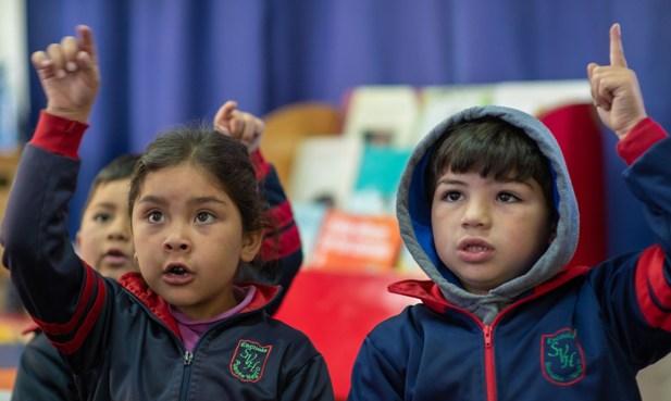 ¿Cuál es la mejor manera de acompañar a los niños en el paso a primero básico?