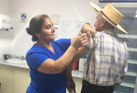 Comuna de Litueche: Cerca del 93% de Adultos Mayores inmunizados contra la Influenza