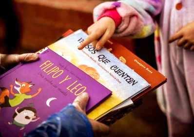 En Graneros los libros y cuentos  para niños llegan a  la puerta de su casa