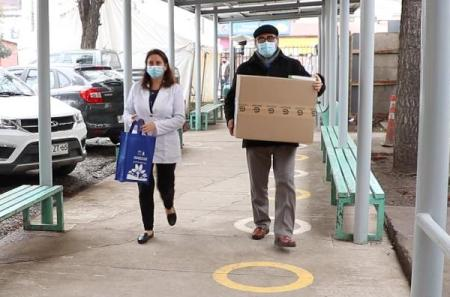 Autoridades de Salud distribuyen kit para toma de PCR a establecimientos de O'Higgins