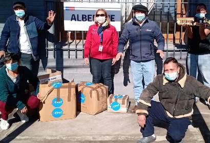 Personas en situación de calle de albergues del Plan de Invierno reciben kit de ropa interior