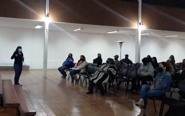 SERNATUR O'Higgins brinda charla explicativa de protocolos sanitarios COVID-19 a servicios de alimentación y alojamiento de Pichilemu