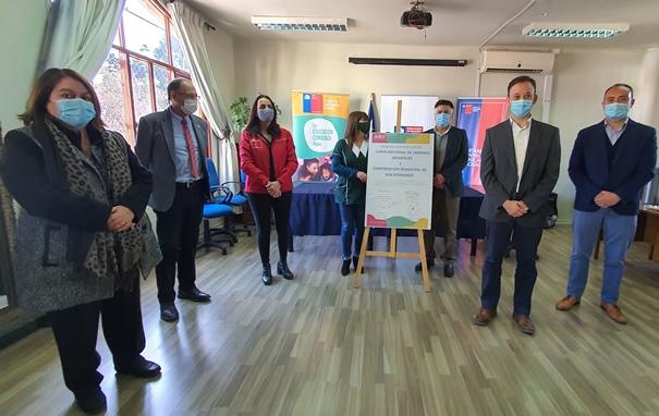 Subsecretaria de Educación Parvularia firma convenios para mejora de jardines en San Fernando