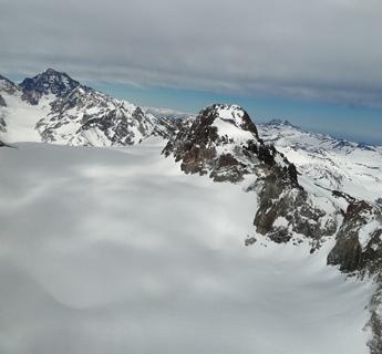 DGA  sobrevuela Cordillera y realiza inspección visual de acumulación de nieve en glaciares y lagunas