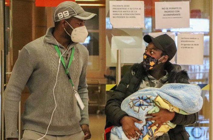 Facilitador intercultural apoya atención de haitianos en pandemia