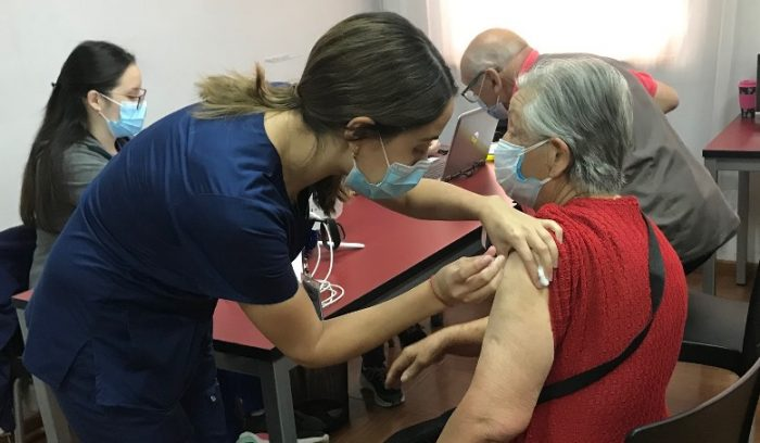Hospital de Graneros espera vacunar a 10 mil personas contra la Influenza